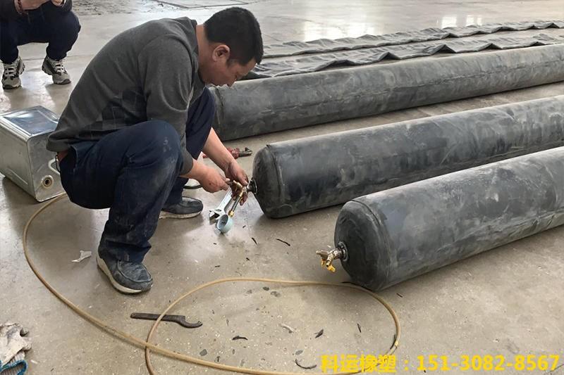 公路铁路隧道排水边沟充气芯模-科运橡塑隧道边沟橡胶气囊内模厂家批发2