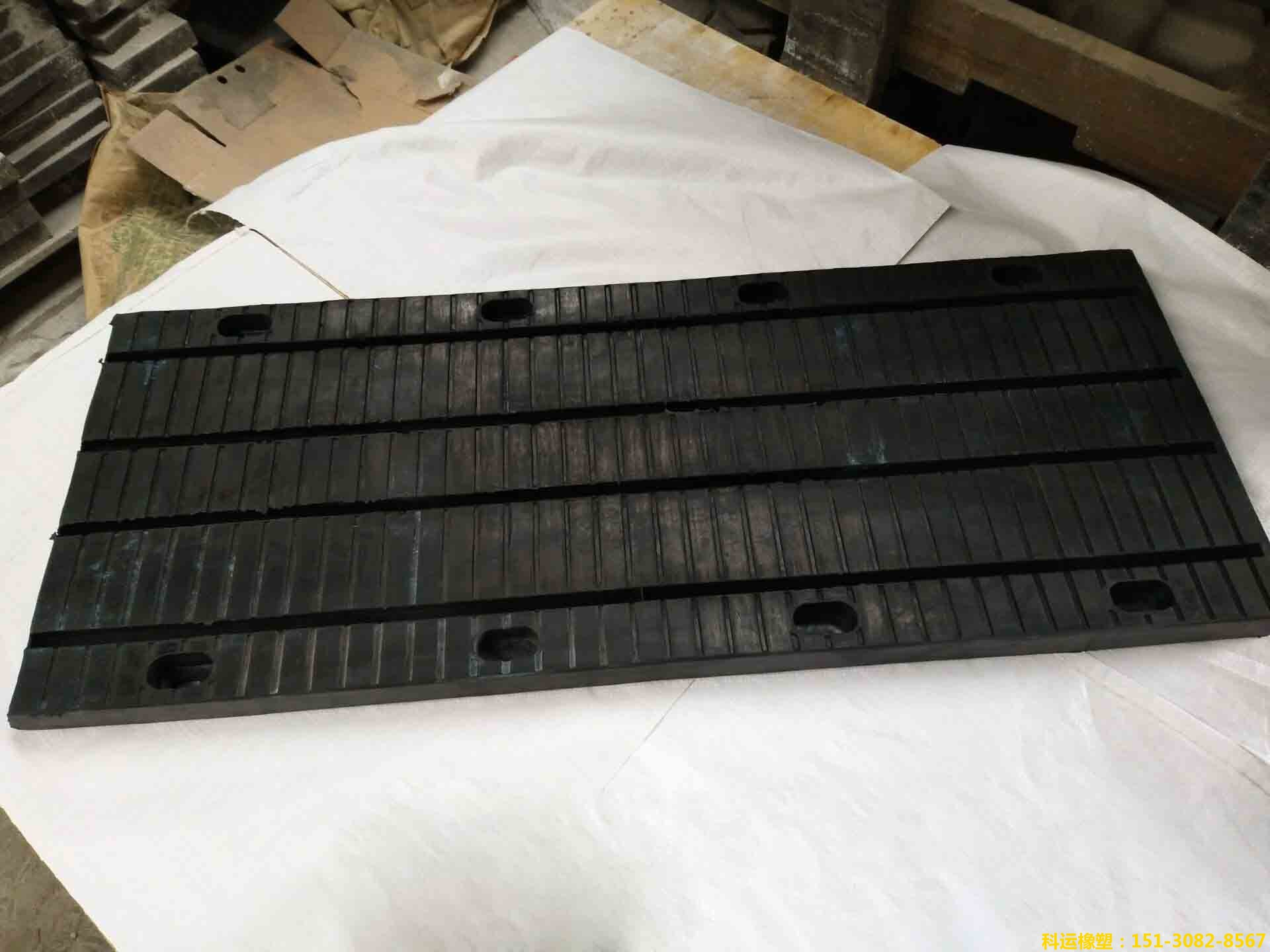 板式橡胶桥梁伸缩缝公路桥梁板式橡胶伸缩缝 桥梁板缝生产研发基地-科运路桥配件正品1