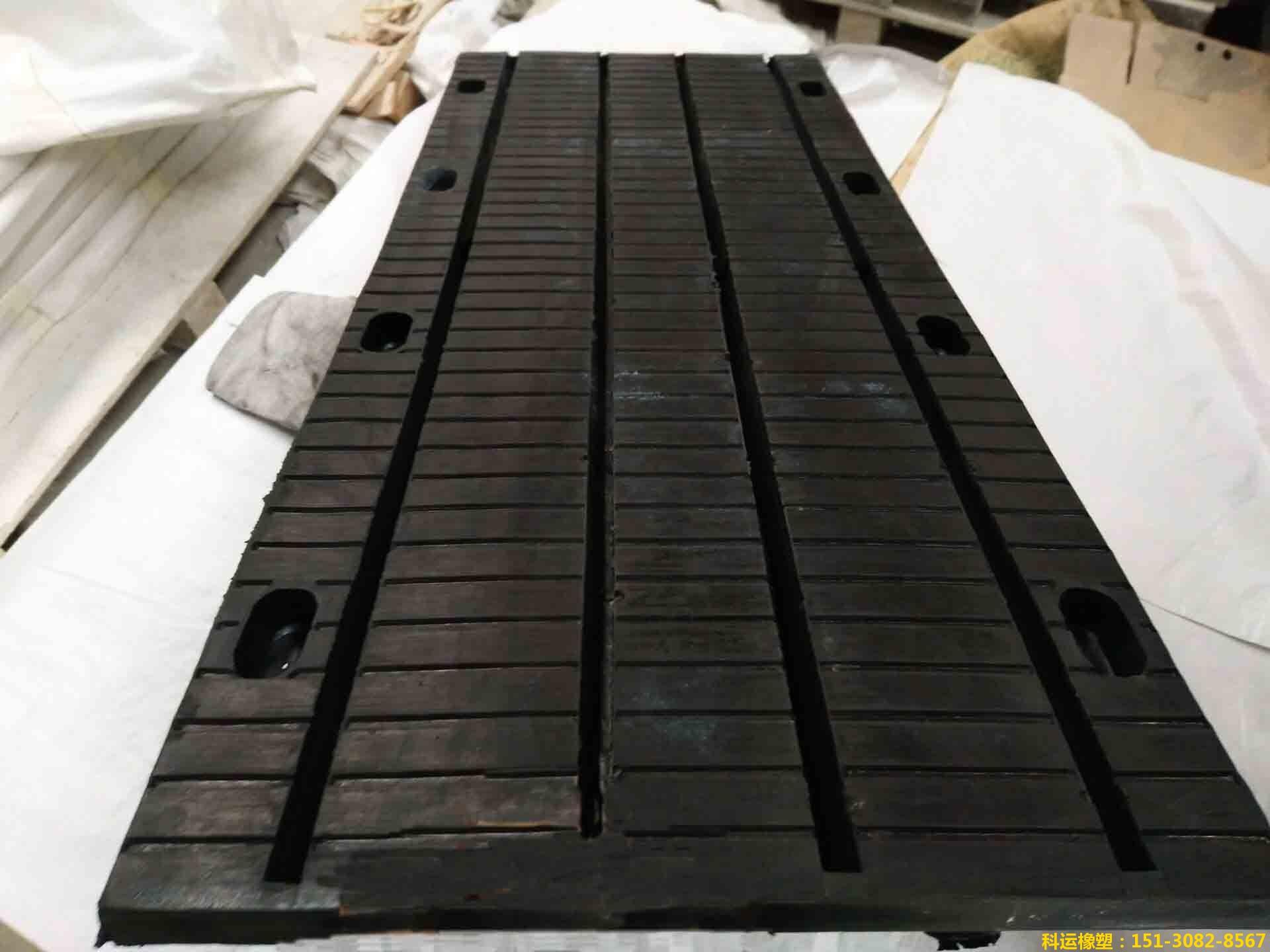 模数式D160型多组式伸缩缝装置 多向变位桥梁伸缩缝专家2