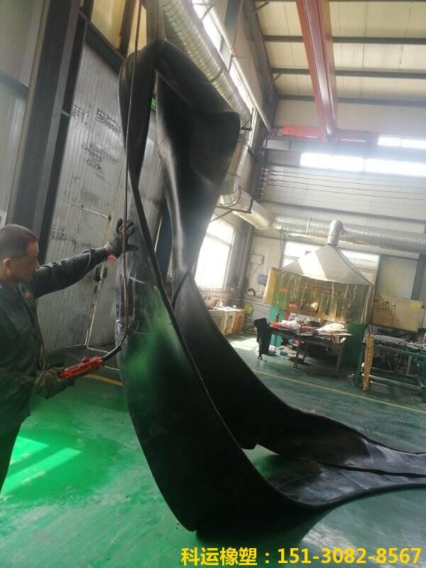 洞口帘布橡胶板的发展史 盾构帘布橡胶板国标生产研发中心3