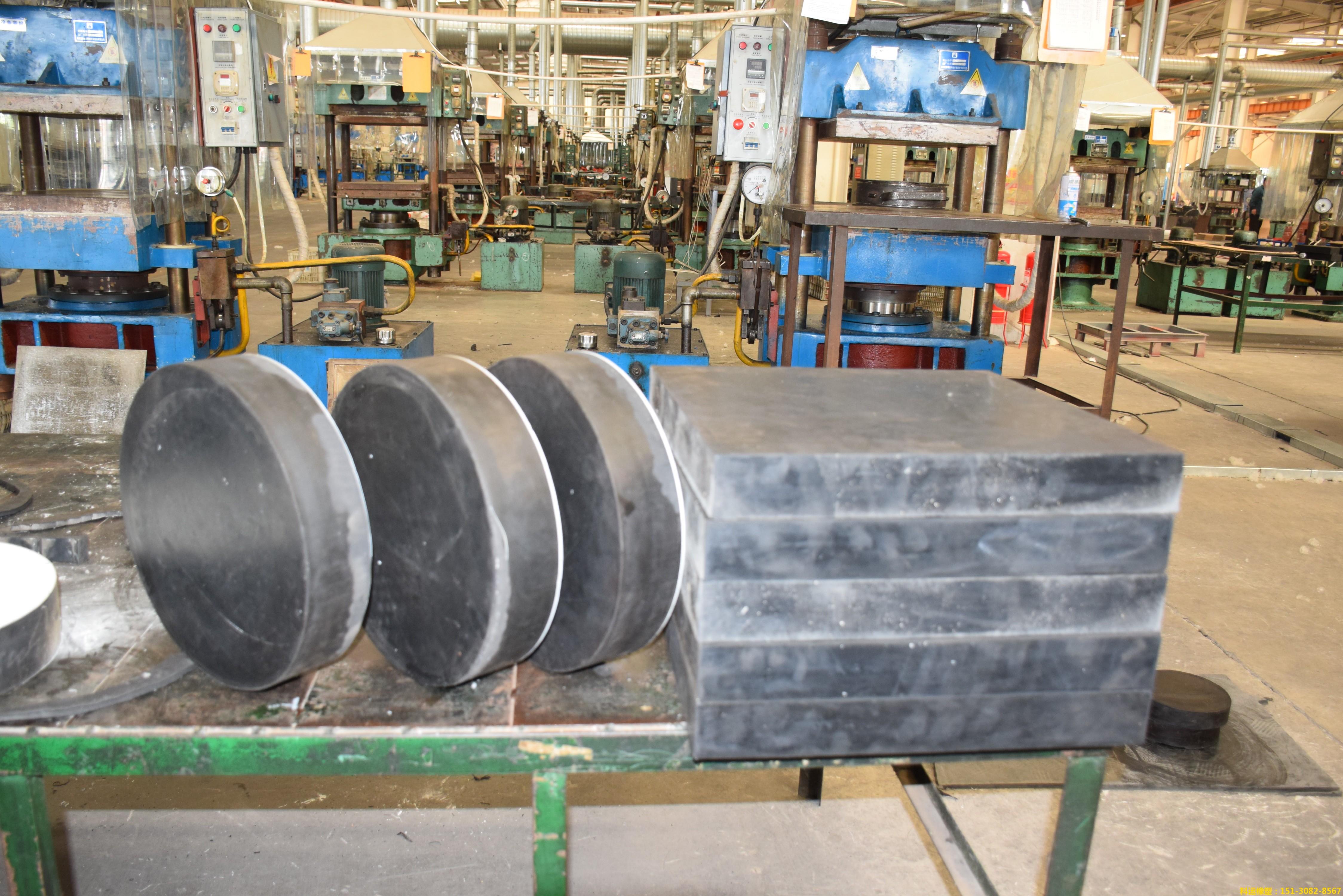 GYZF4圆形板式橡胶支座 聚四氟乙烯滑动板式橡胶支座大厂出品1
