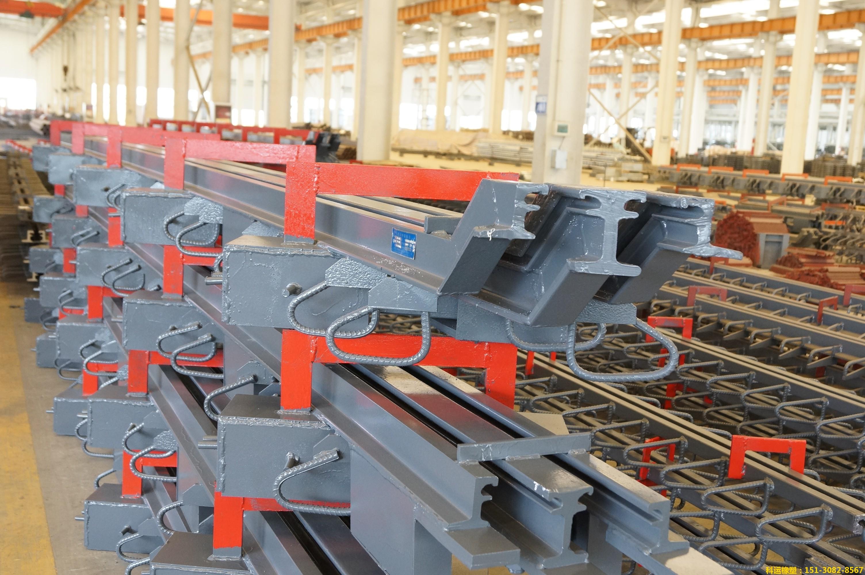 模数式160型桥梁伸缩缝生产车间